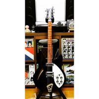 Rickenbacker330